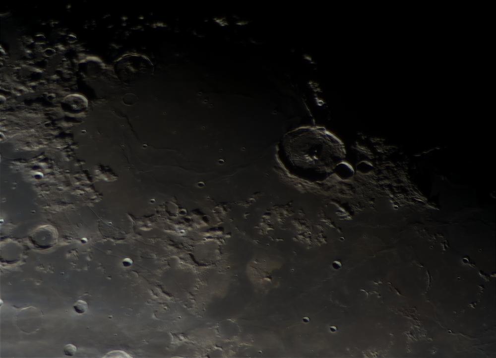 Луна 200502, кратер Гассенди
