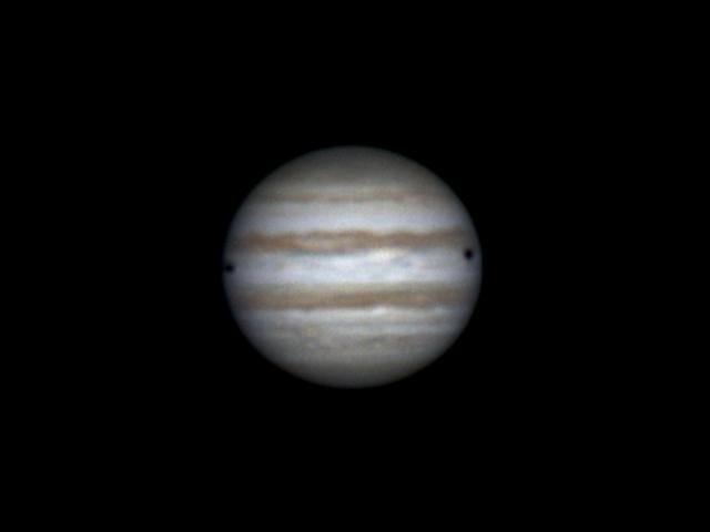 Shadows of Io and Callisto on Jupiter (26 feb 2015, 22:38)