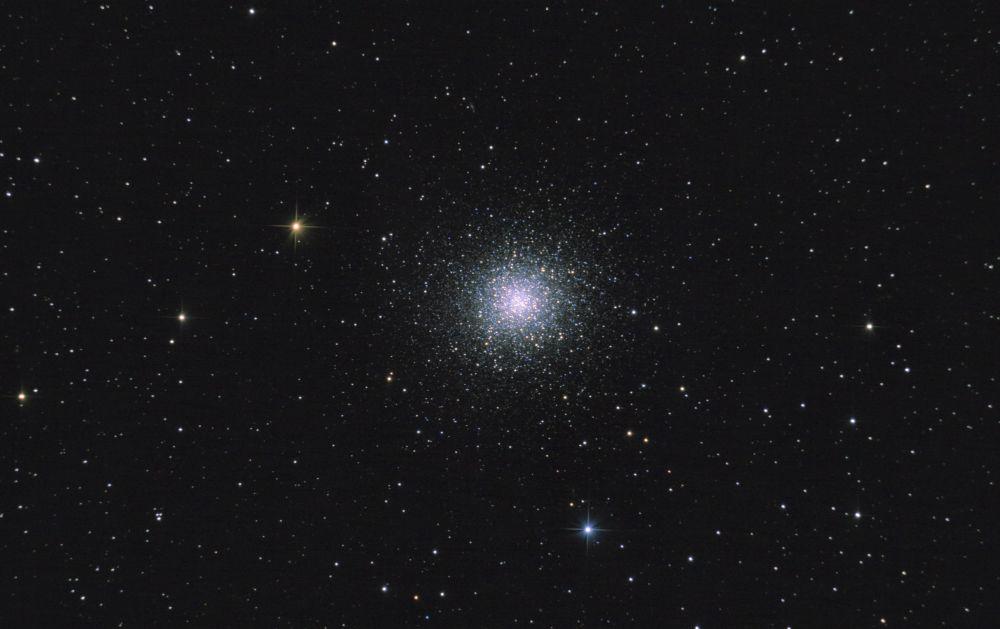 M13. Шаровое скопление в Геркулесе.