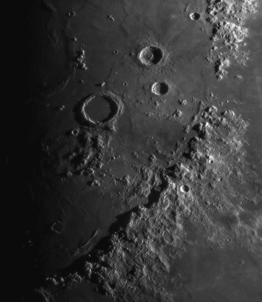 Луна 12.05.2019. Горы Аппенины. Мозаика из 2 снимков.
