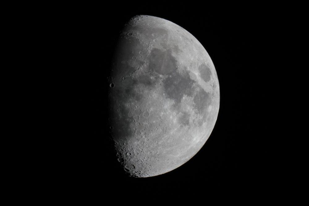 Moon (27 may 2015, 22:15)