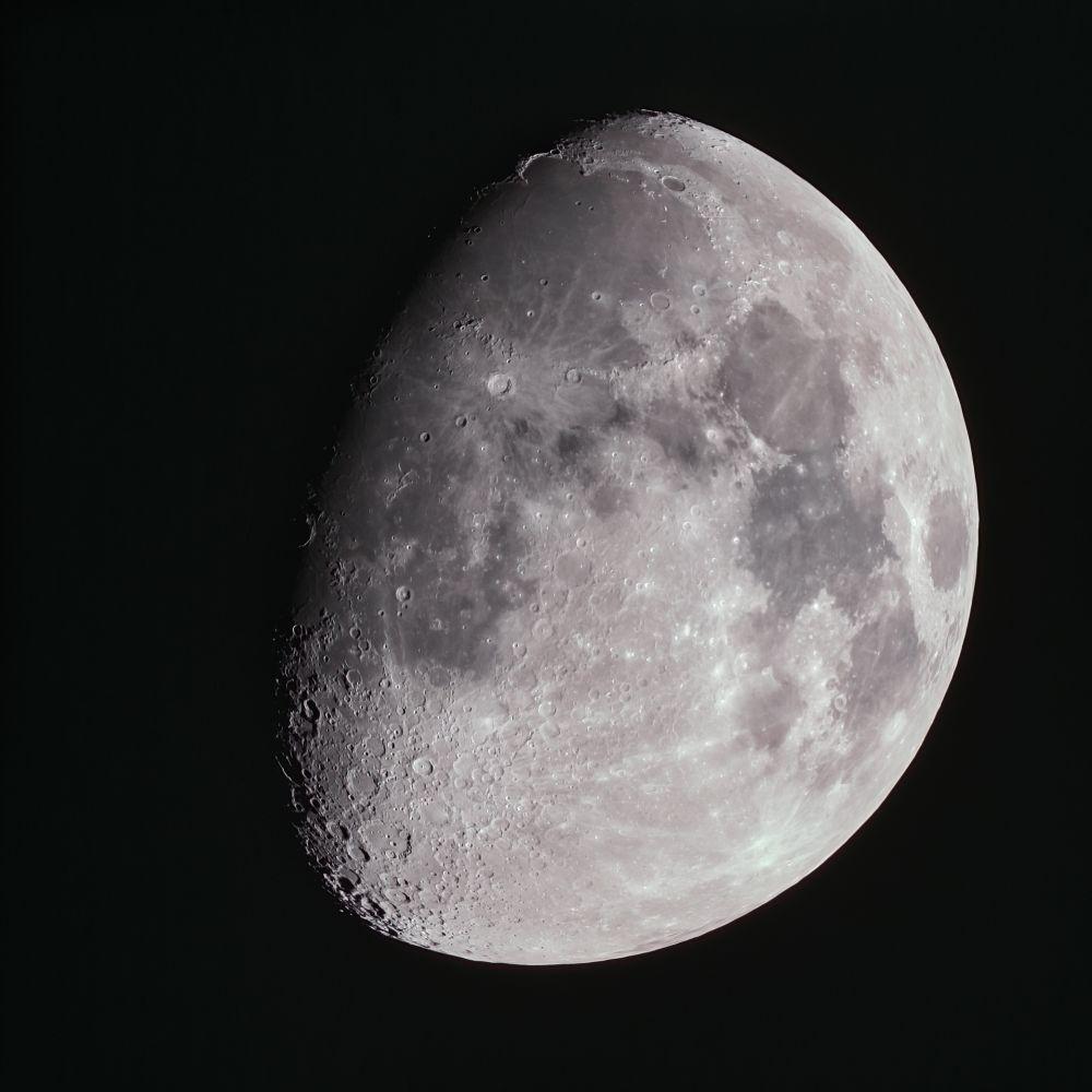 Луна 22 апреля 2021 г.
