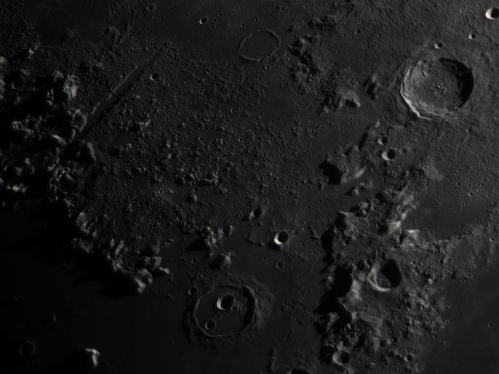 Vallis Alpes, Cassini (26 feb 2015, 19:55)