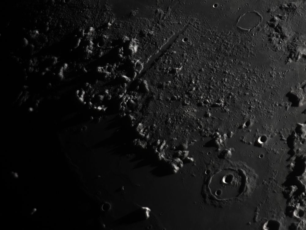 Vallis Alpes, Cassini (26 feb 2015, 19:35)