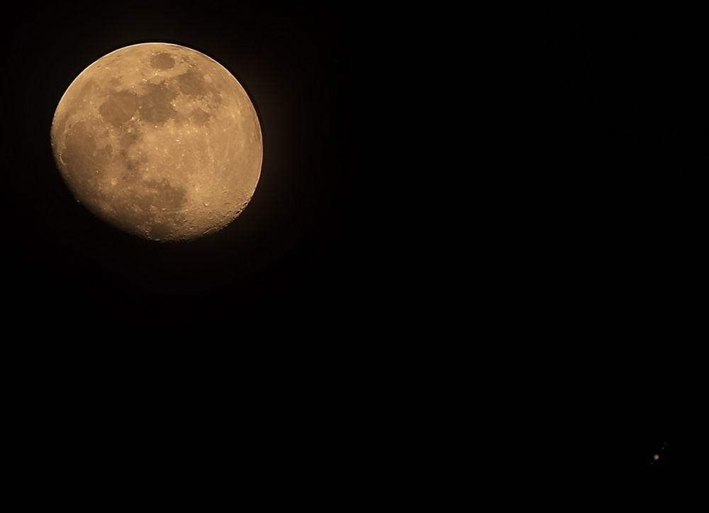 Луна и Юпитер 13.07.2019