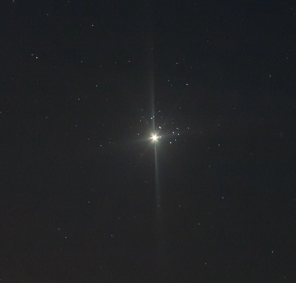 Сближение Венеры и Плеяд 2