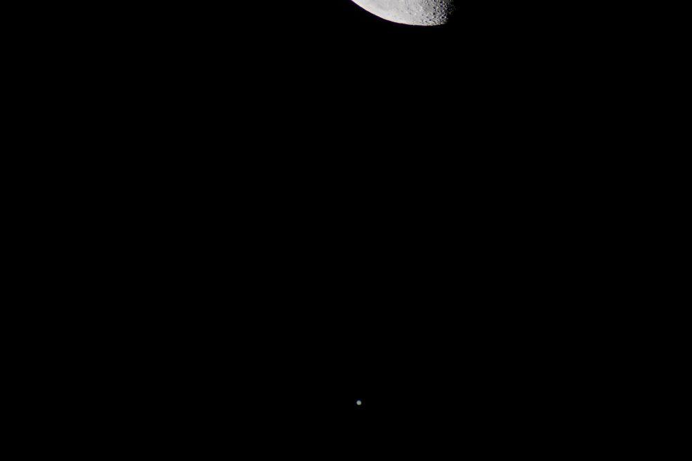 Сближение Луны и Юпитера