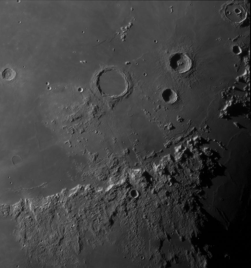 Горы Апеннины и кратер Архимед