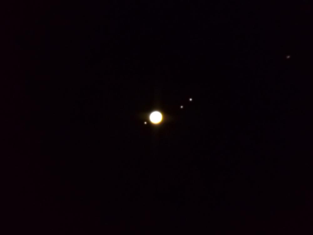 Юпитер и его 4 спутника