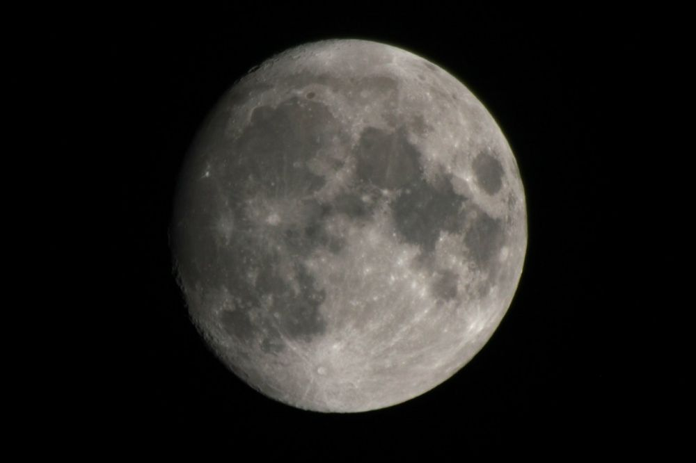 Moon with Canon 70-2004L USM and Barlow lens NPZ PAG 3-5x (5x)