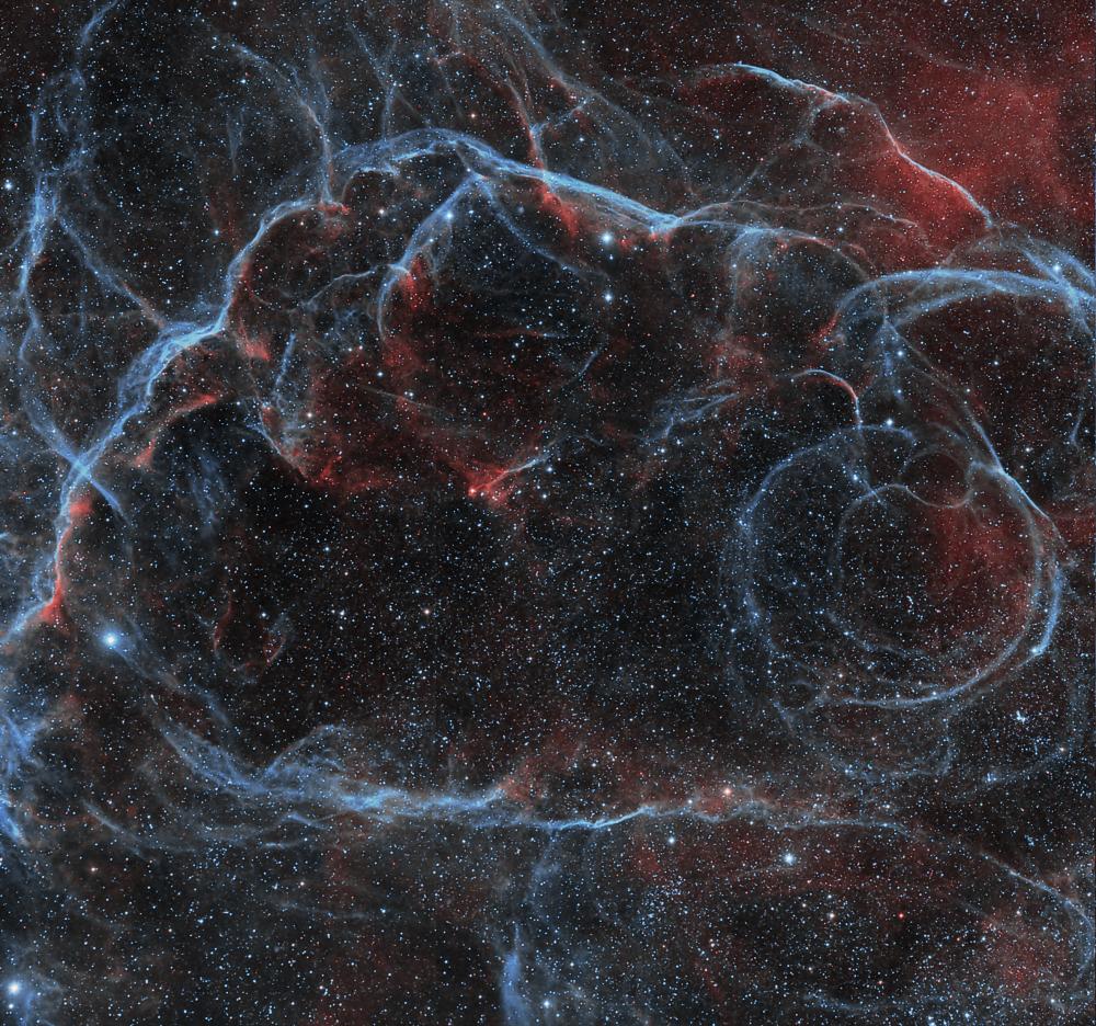 Остаток сверхновой в Парусах и рассеянные скопления NGC 2645 и NGC 2659