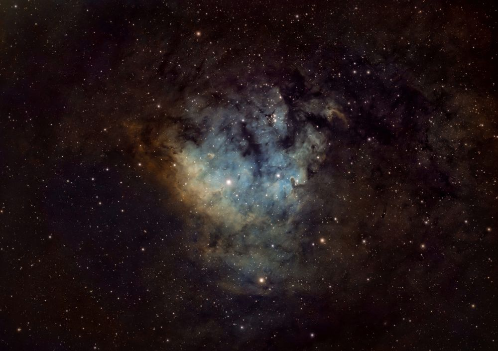 Безымянная туманность NGC 7822