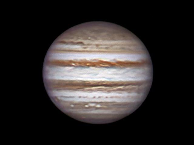 Jupiter, 28 december 2013, 1:41. Sky-Watcher BK Dob 12