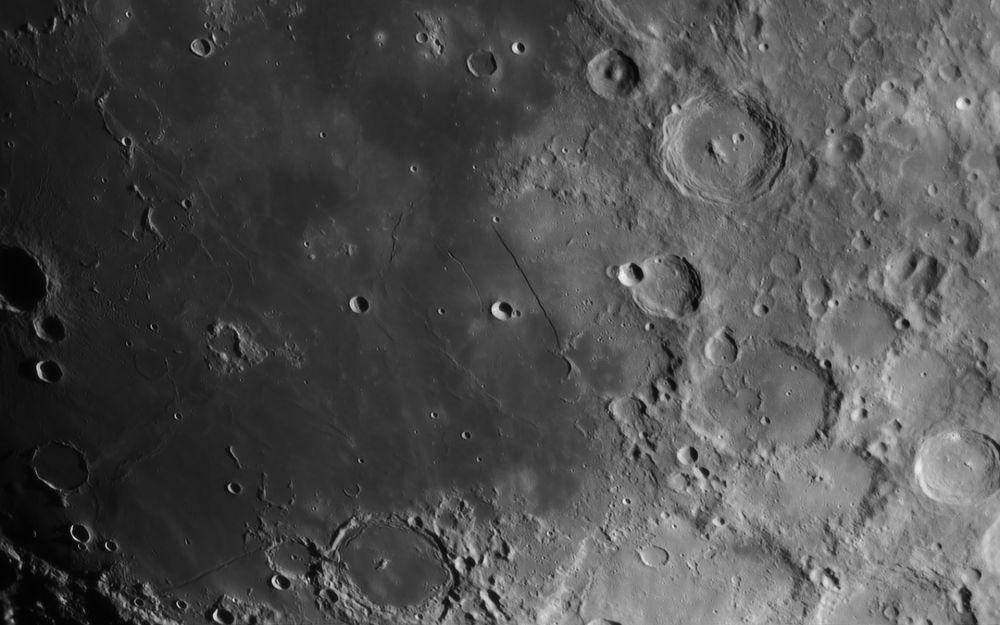 2016.02.17 Moon Straight Wall