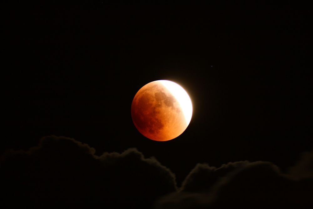 Lunar eclipse, 15 june 2011, 23:11