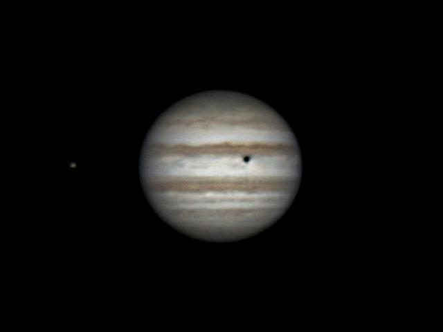 Rotation of Io, Jupiter and shadow of Callisto (21:11-22:38, 26 feb 2015)