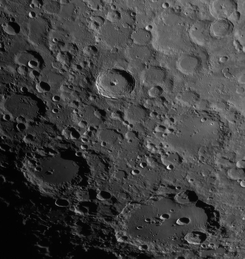 Луна - кратеры Тихо/Клавий и окрестности.