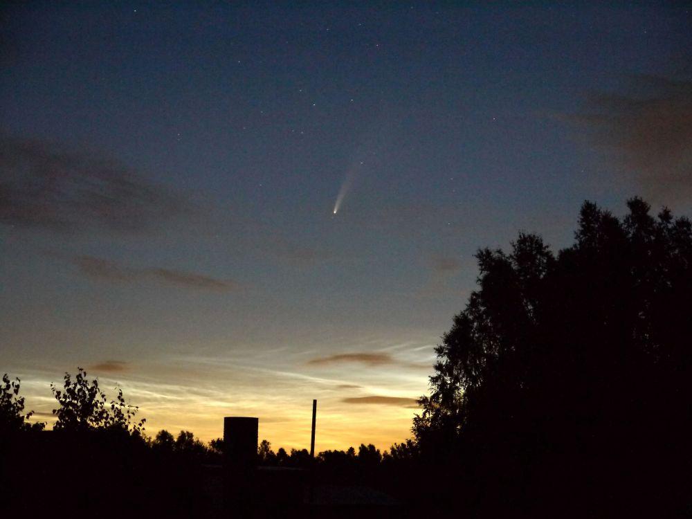 Комета 2020 и серебристые облака