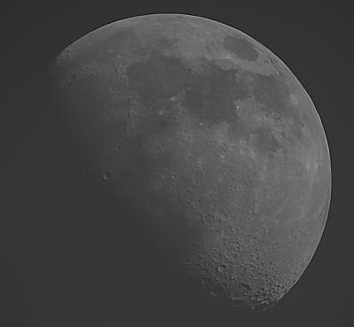 РАСТУЩАЯ ЛУНА НА ДНЕВНОМ НЕБЕ 19.06.21 - красный фильтр - астрофотография