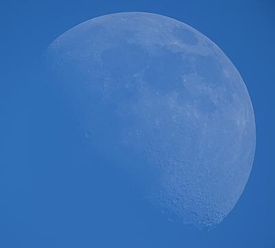 РАСТУЩАЯ ЛУНА НА ДНЕВНОМ НЕБЕ 19.06.21 - астрофотография
