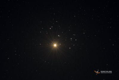 Венера в Плеядах - астрофотография