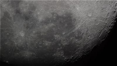 Лунная поверхность - астрофотография