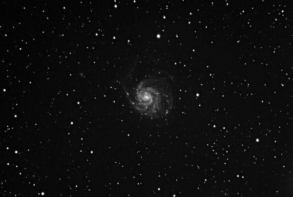 Test M101 - The Pinwheel Galaxy in mono - астрофотография