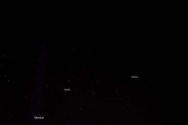 Созвездие Кита, Уран, астероид Веста и много других звёзд.  - астрофотография