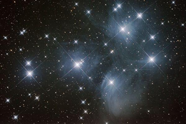 Плеяды (M45) - астрофотография