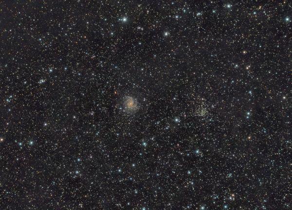 Галактика NGC 6946 Фейерверк и рассеянное скопление NGC 6939 - астрофотография