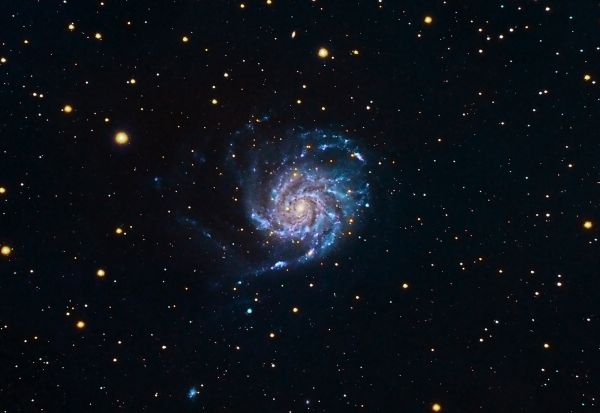 M101 - The Pinwheel Galaxy in LRGB - астрофотография