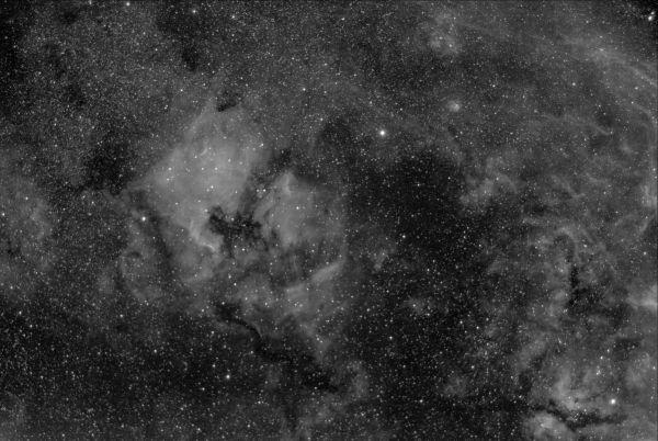 HYDROGEN NEBULOSITIES AT CYGNUS H-ALPHA ONLY - астрофотография