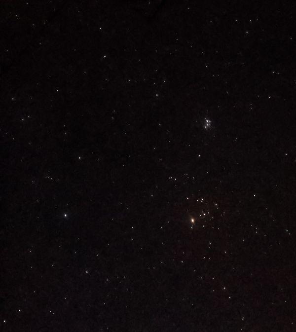 Созвездие Тельца на небе - астрофотография