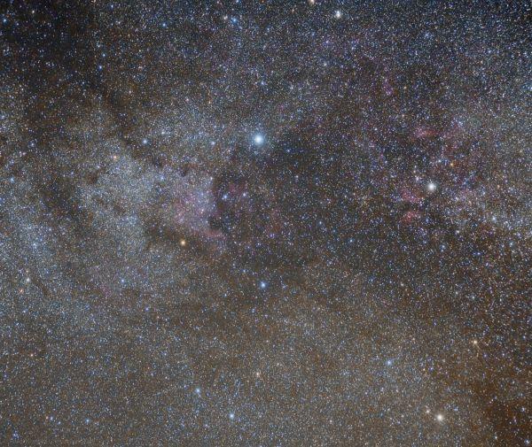 Район млечного пути в созвездии Лебедя, туманности Америка, Бабочка и другие - астрофотография